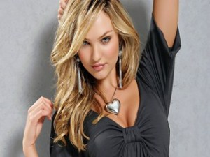 candice-swanepoel-heart-amulet-girl-beautiful-blonde-wallpaper-320x240